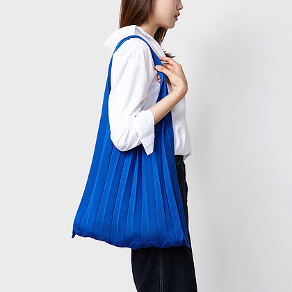PLEATSMAMA knit pleats shoulder bag (blue)