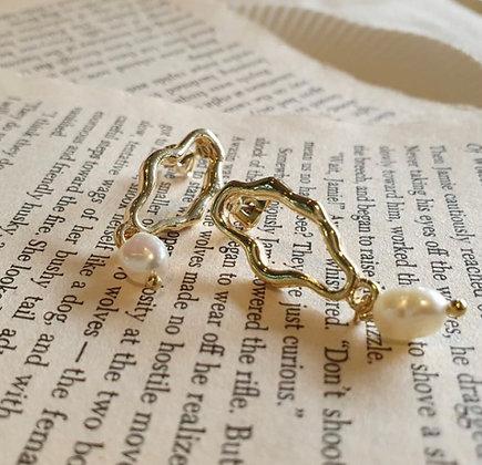 RENUA pearl earings