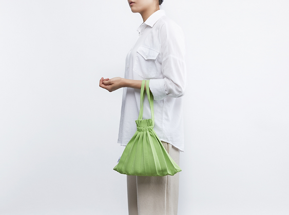 PLEATSMAMA knit pleats mini bubble bag (lime)