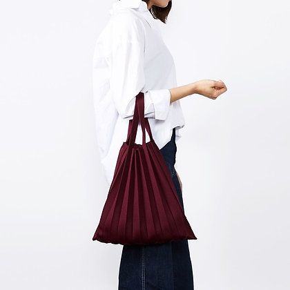 PLEATSMAMA knit pleats tote bag (burgundy)