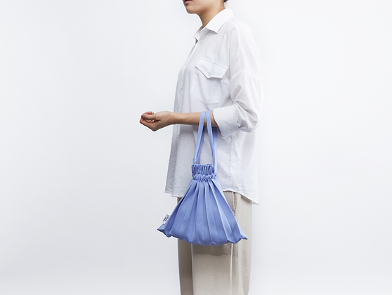 PLEATSMAMA knit pleats mini bubble bag (bluebell)