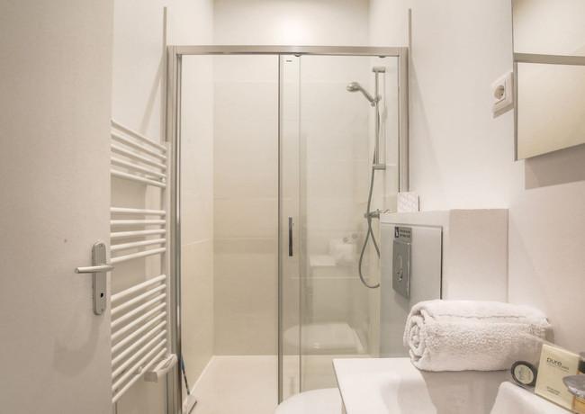 Salles de bain rénovée par DME Batiment