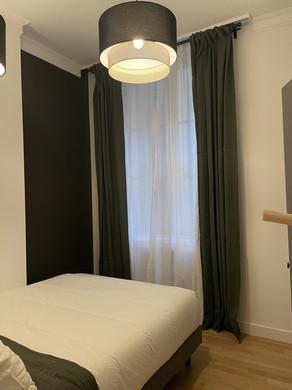 renovation-chambre-corniches-et-rosace.jpeg