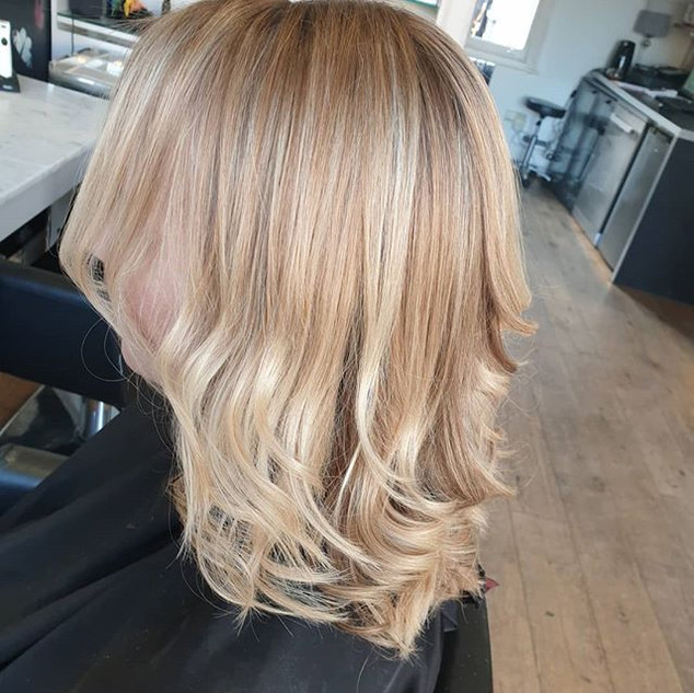 Brightening up colour with highlights an