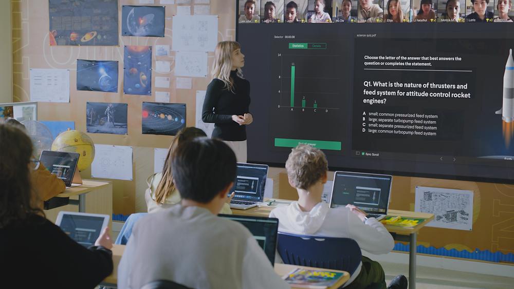 An Online-Merge-Offline (OMO) classroom