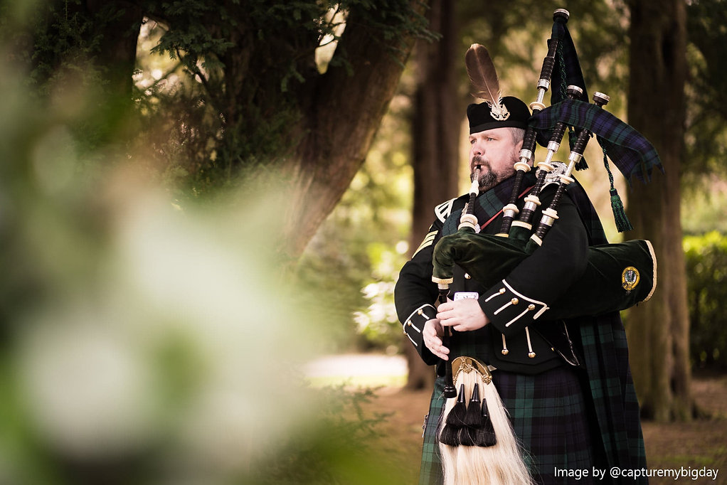 Andrew Brian Highland Bagpiper for hire for weddings, funerals, parties, celebrations and mess functions