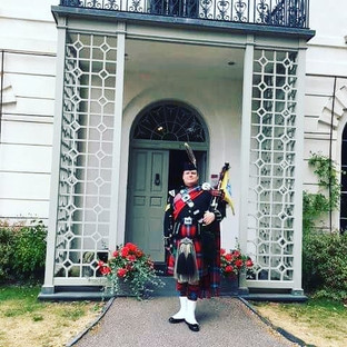 A busy weekend piping at @portmeirionvil