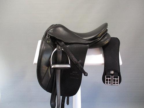 Stubben Maestoso Dressage Saddle  15.5'' XW