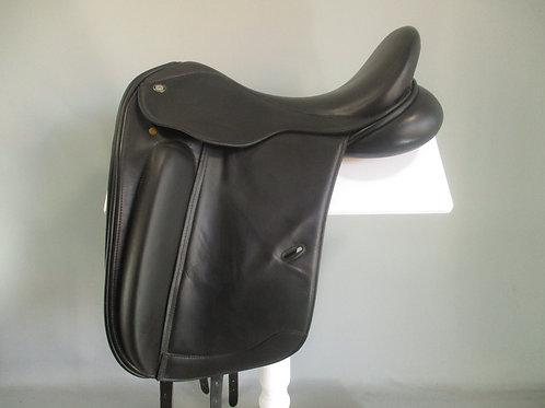 """CRW Nouveaux Dressage Saddle 17.5"""" XW"""