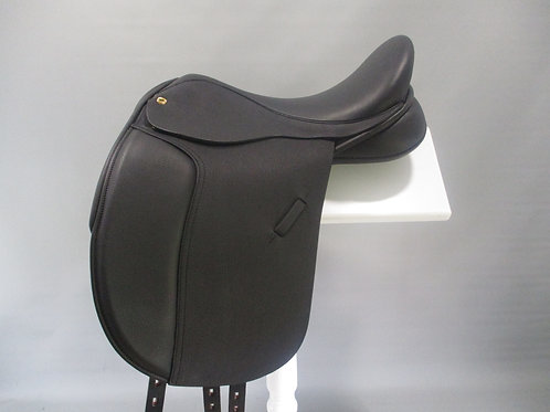 "Black Country Kur Dressage Saddle 17.5""/18"" XXW *AS NEW*"