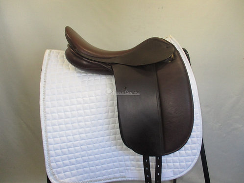 """Trainers Masters 16"""" Show / Dressage Saddle"""