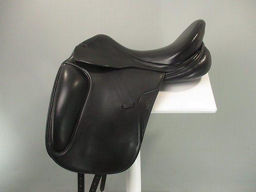 "Equiline Contest Dressage Saddle 17"" M-MW"