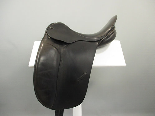 "County Competitor Dressage Saddle 16.5"" XW"