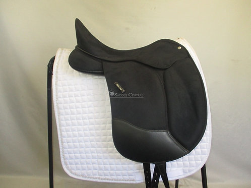 Wintec Pro Dressage Saddle 17""