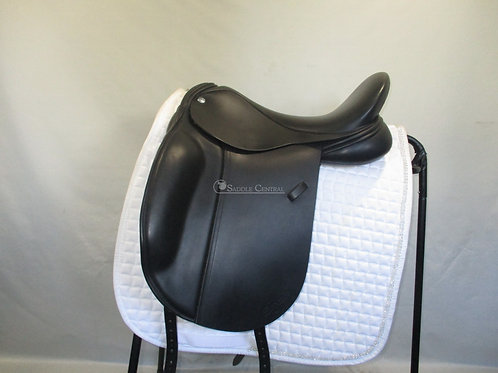 "Frank Baines Elegance 17"" Dressage Saddle"