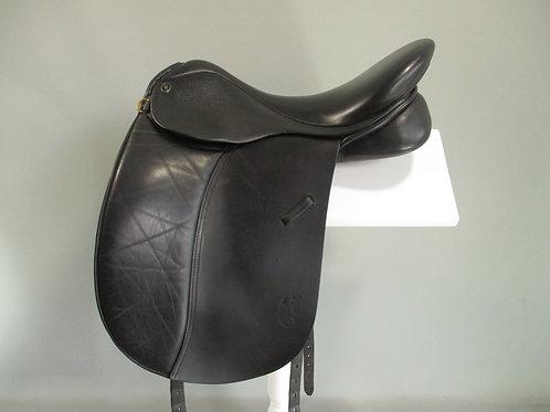 """GFS Dressage Saddle 18"""" MW/W"""