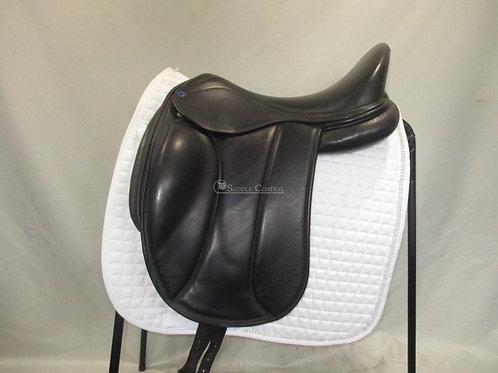 """Southern Stars 18"""" Dressage Saddle"""