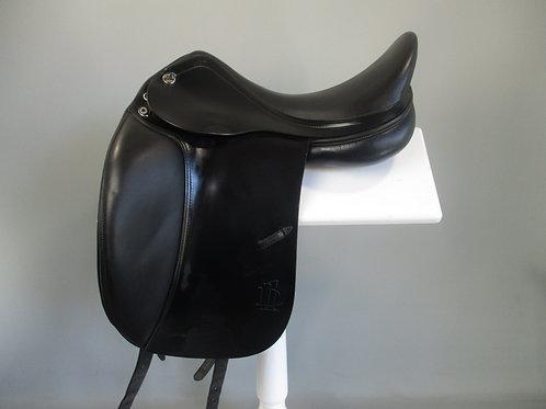 "Prestige D1  Dressage Saddle 17"" MW"