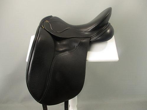 Peter Horobin Amazone Dressage saddle