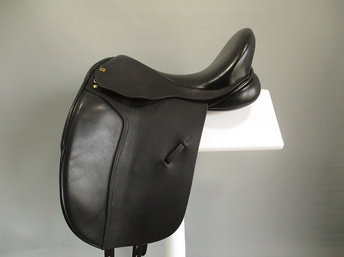 "Black Country Eloquence Dressage Saddle 17"" XW/XXW"