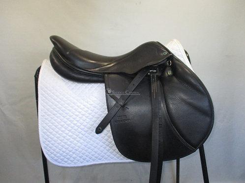 """Stubben Zaria 17.5"""" Jump Saddle"""