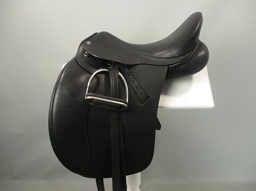 Cavaletti dressage saddle
