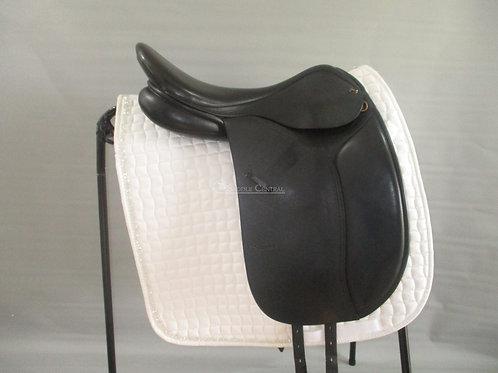 "Trainers Masters Dressage Saddle 17.5"""