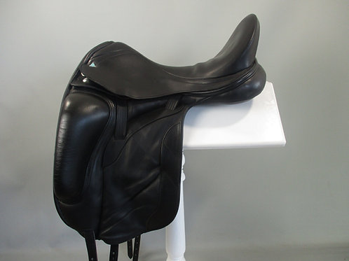 Bliss paramour dressage saddle