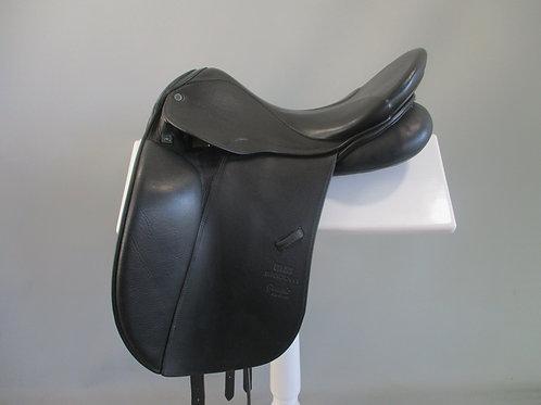 """Stubben Genesis de lux Dressage Saddle 17"""" W/XW"""