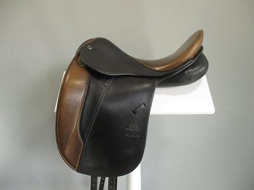 """Stubben Maestoso Dressage Saddle 17.5"""" W"""