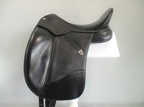 Bates Isabell Werth Dressage Saddle 17.5""
