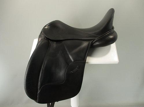 "Hennig Dressage Saddle 17.5"" M"