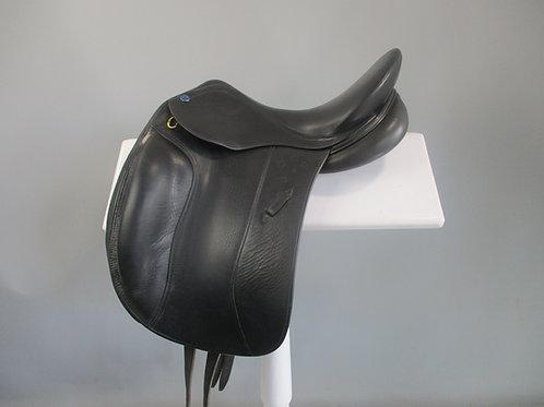 "Southern Stars Dressage Saddle 15.5"" XW"