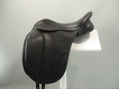 Kent and Masters Cob Dressage Saddle 17""