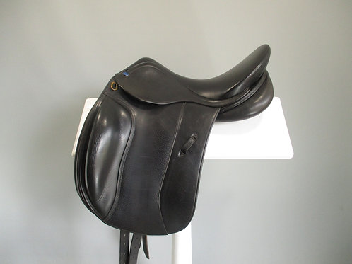 "Southern Stars Dressage Saddle 15.5"" W"