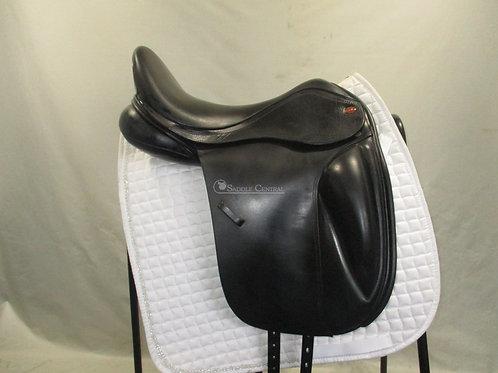 "Kent & Masters Dressage Saddle 17.5"" with Surface Block"