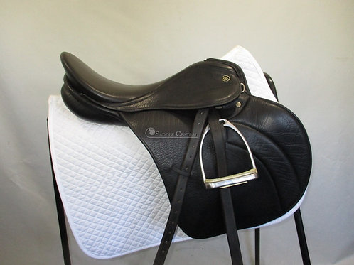 "Kieffer Tsar 17"" Jump Saddle"