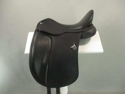 """Bates Dressage Saddle with Adjustable Stirrup Bar 16"""""""