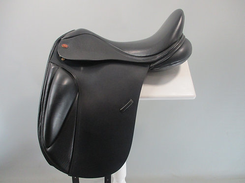 Kent and Masters Surface Block Dressage Saddle 18""