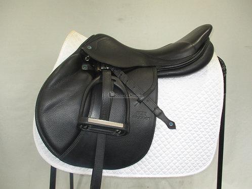 """Stubben Zaria Jump Saddle 17.5"""""""