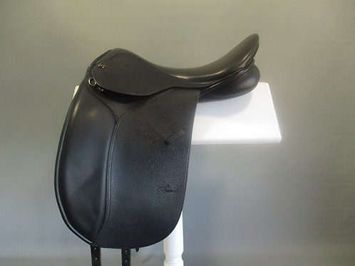Trainers Masters Dressage Saddle 17""