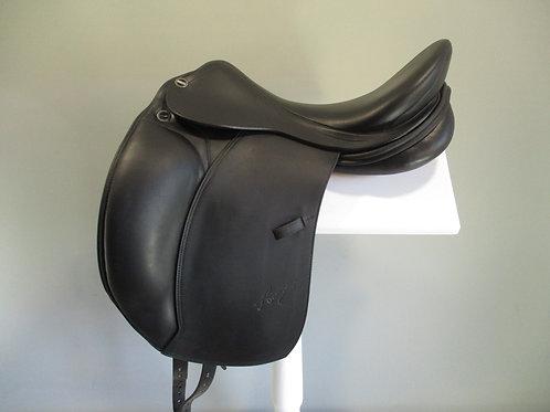 """Erreplus Adelinde Dressage Saddle 18"""" MW"""