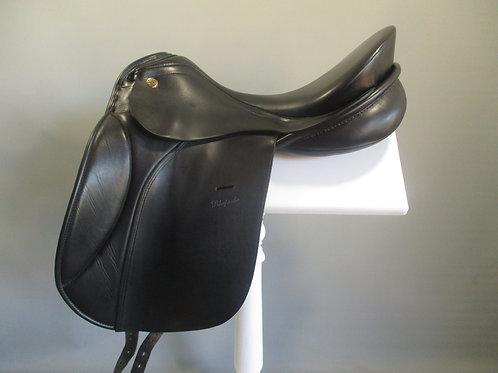 """KN Rhapsodie Dressage Saddle 18"""" M - MW"""