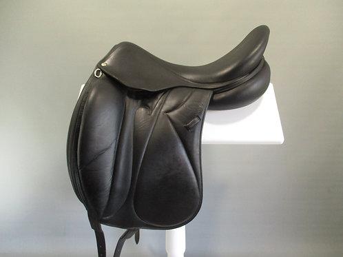 "Devoucoux Makila Monoflap Dressage Saddle 18""/17.5"" MW"
