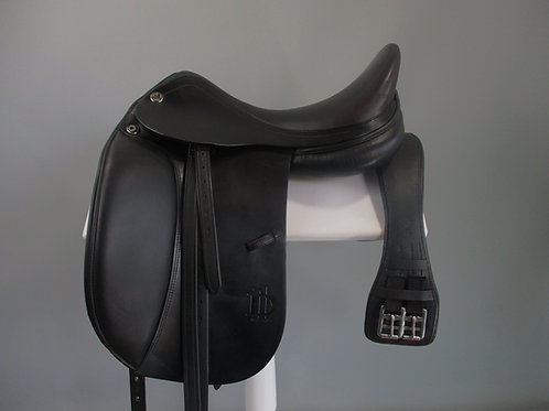 Prestige D1 Dressage Saddle