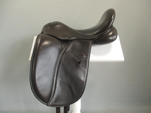 """Mal Byrne Dressage/Show Saddle 16.5"""" XXW-XXXW BROWN"""