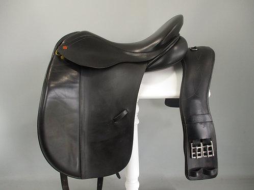 """Albion Legend Dressage Saddle 17.5"""" W/XW"""