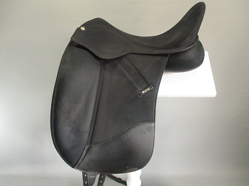 "Wintec Isabell Dressage Saddle 17"" with mounts"