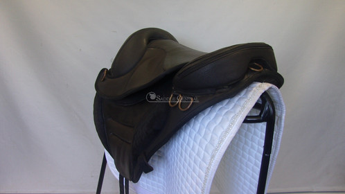 torsion treeless saddle. torsion saddles are made in italy. the deluxe all purpose saddle is from finest nubuck leather with suede thigh rolls. do not compare it treeless