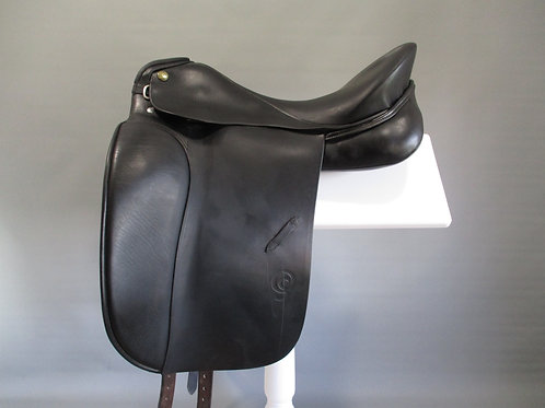 """Otto Schumacher Dynamic Dressage Saddle 17""""/17.5"""" XXW"""